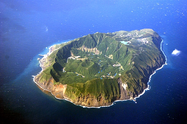 islands_aogashima_kaiho