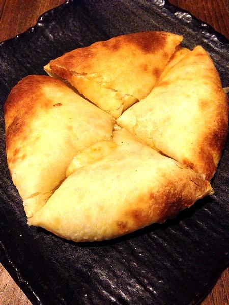 Gharのチーズクルチャ